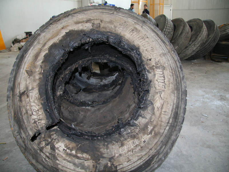 Steel wire tyres